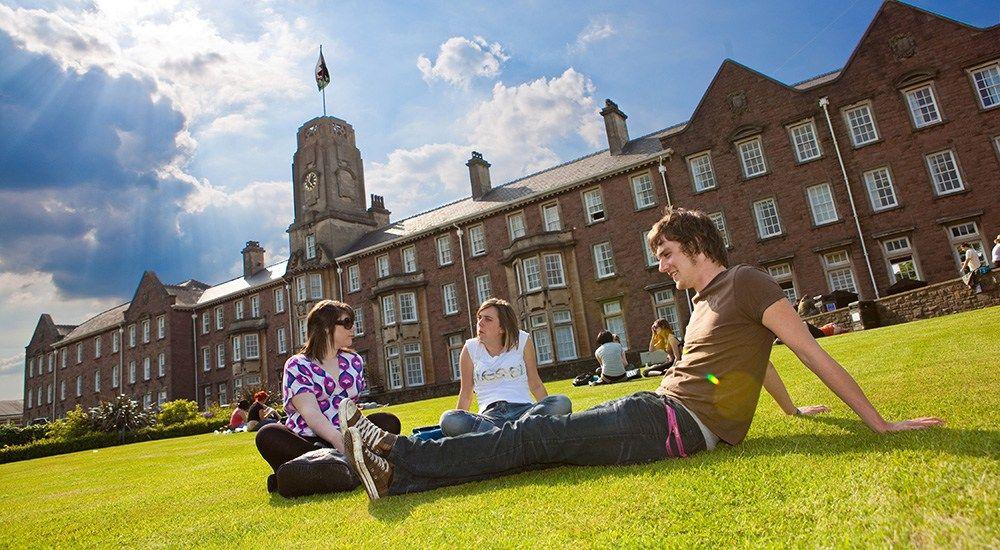 Yurt Dışında İlk 1000 ve 500'de ki Üniversitelere Sınavsız Kayıt Fırsatı!